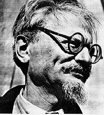 a biography of lav trotsky a marxist revolutionary The russian revolutionist leon trotsky (1879-1940) was a principal leader in the founding of the soviet union he played an important role in the october revolution, which brought the bolsheviks to power and he organized the red army during the ensuing civil war leon trotsky was born lev .